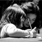 insegnante-con-bambina